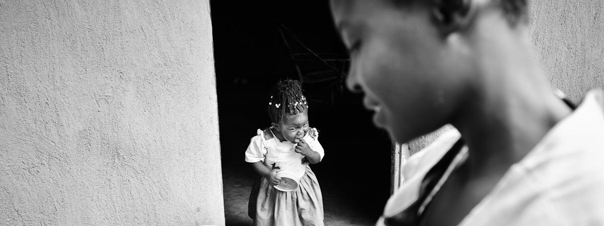 slider_child_brides_by_tomas_halasz-2